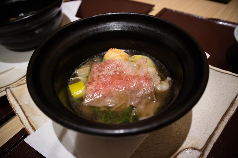 松阪牛と下仁田葱、水菜と寄芋の煮物。