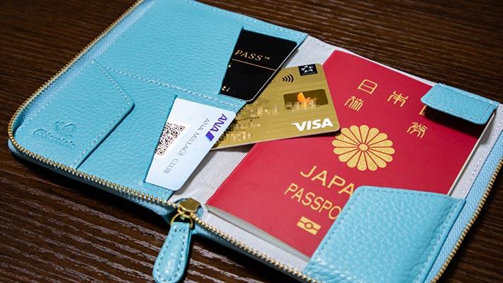 カードポケットの後ろもカード収納可能