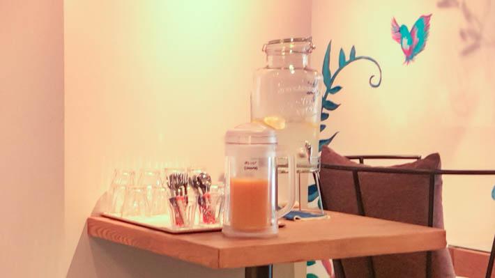 オレンジジュースやレモン水