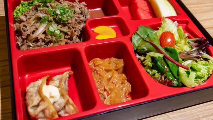 牛肉生姜焼き定食