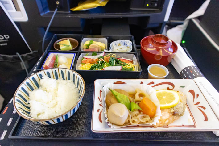 JALビジネスクラス(和食)