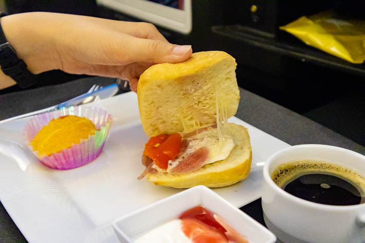 グリルチキンチーズサンド