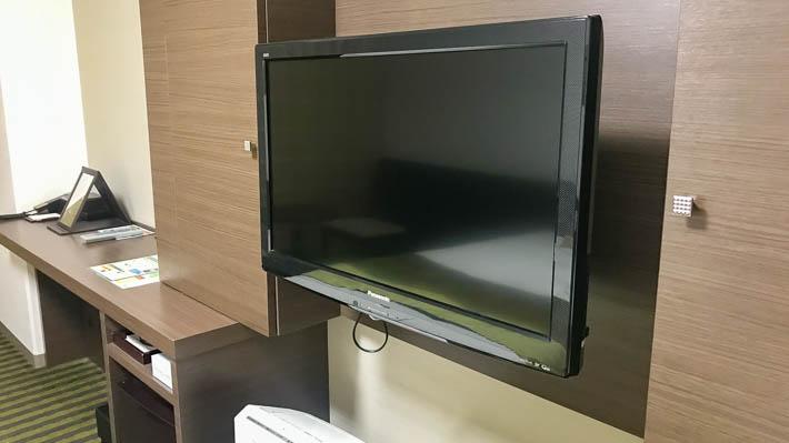 壁掛けテレビは角度も変えられる