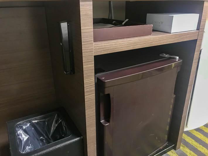 茶色い冷蔵庫って初めて見たかも